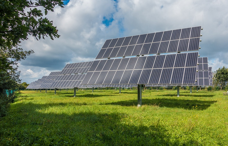 photovoltaic-system-2742302_960_720